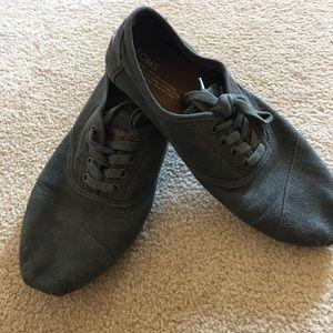 TOMS gray canvas Men's shoes. 9.5M